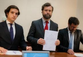 [Alerta] Vox, el partido de ultraderecha en el parlamento presenta una proposición de ley para derogar la Ley de Memoria Histórica